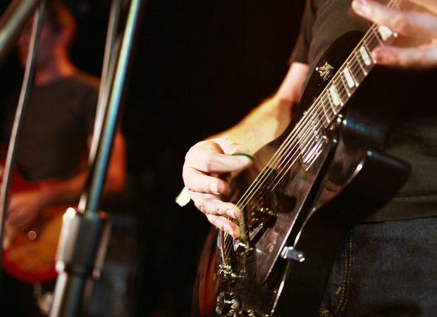 Dos recomendaciones para tocar la guitarra